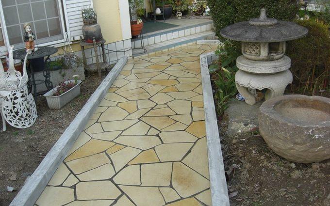 庭先のスタンプコンクリート施工事例