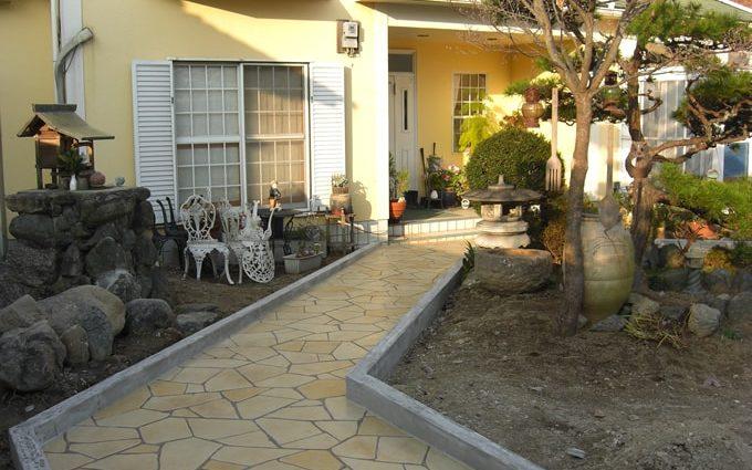 庭先のスタンプコンクリート施工事例、全体像
