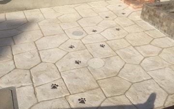 ペット洗い場へのスタンプコンクリート施工事例